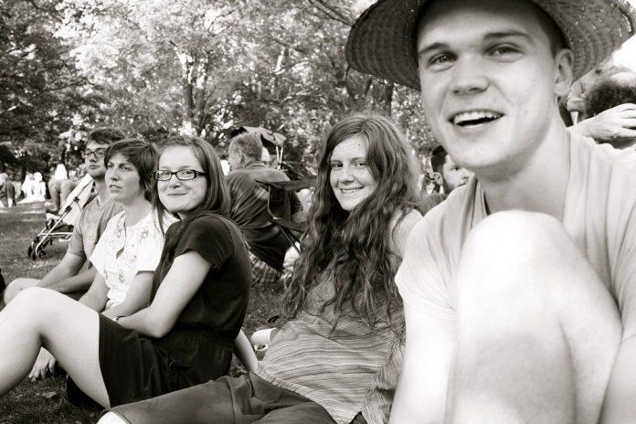 Enjoying the Peterborough Folk Festival is so easy to do (photo: Elizabeth Thipphawong)
