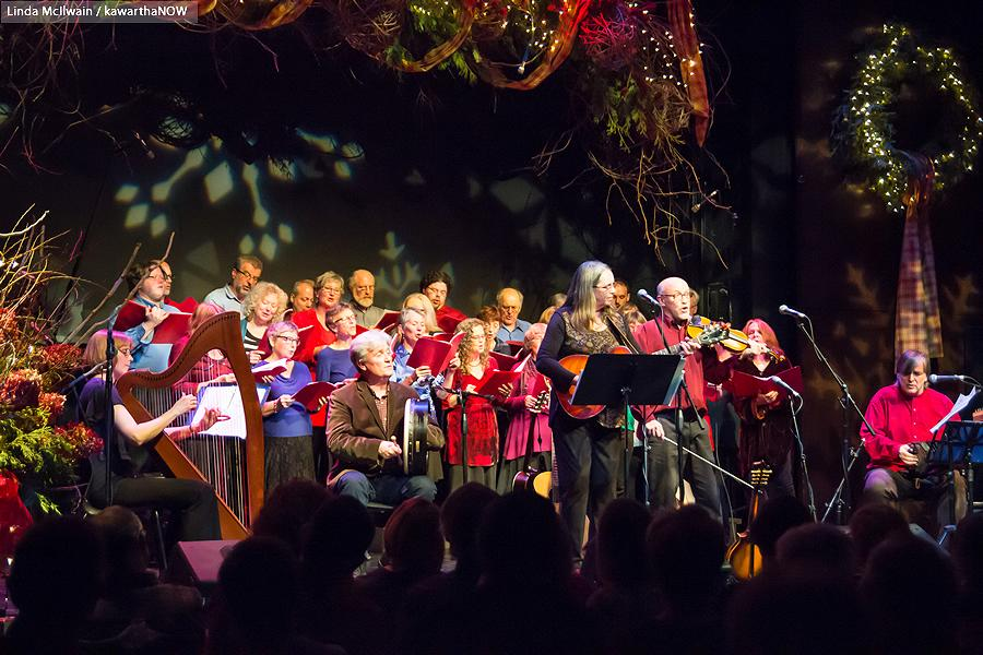 Tanah Haney, Rob Fortin, Susan Newman, John Hoffman, and Michael Ketemer, with The Convivio Chorus in the background (photo: Linda McIlwain / kawarthaNOW)