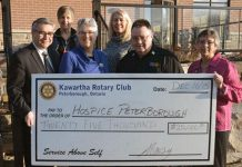 The Rotary Club of Peterborough-Kawartha presents a $25,000 cheque to Hospice Peterborough. Left to right: Rotarian Carl Brown, Campaign Chair Betty Morris, Hospice Executive Director Linda Sunderland, Rotarians Liz Lewis Woosey and Lou Hamel, Auction Chair Kim Winter. (Photo courtesy of Hospice Peterborough)