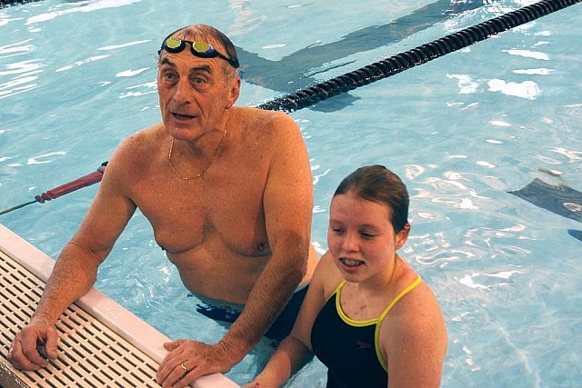 Carl Oake with Annaleise Carr during the 2013 swimathon (photo: Stephen Vass)