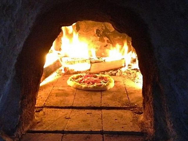 Adobe ovens can be used to cook pizza, bread, meat and more: learn to make your own with Tina Therrien (photo: The Endeavour Centre)