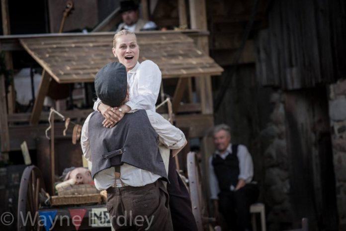 Before the explosion: Mac Fyfe as Dennis O'Brien and Monica Dottor as Laura O'Brien (photo: Wayne Eardley, courtesy of Wayne Eardley Photography)