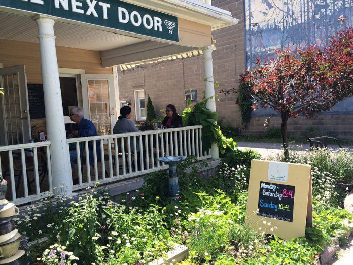 Nuttshell Next Door (photo: Eva Fisher)