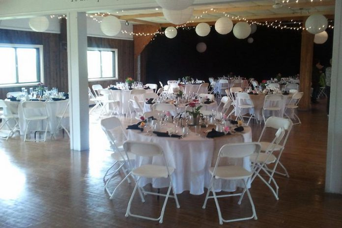 With 7000 square feet, a hardwood dance floor, and catering capacity for up to 400 people, the Lakeview Arts Barn is also available available for weddings, conferences, fundraising events, and more