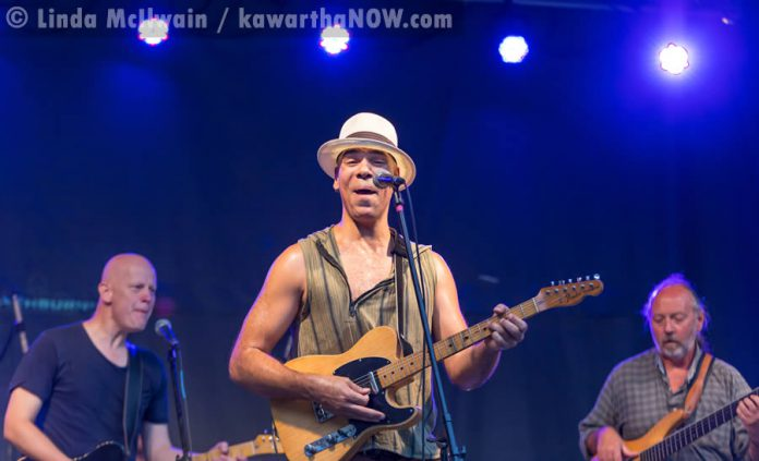 Beau Dixon performing with Slips N The High Fives at The Hootenanny on Hunter Street on August 13 (photo: Linda McIlwain / kawarthaNOW.com)