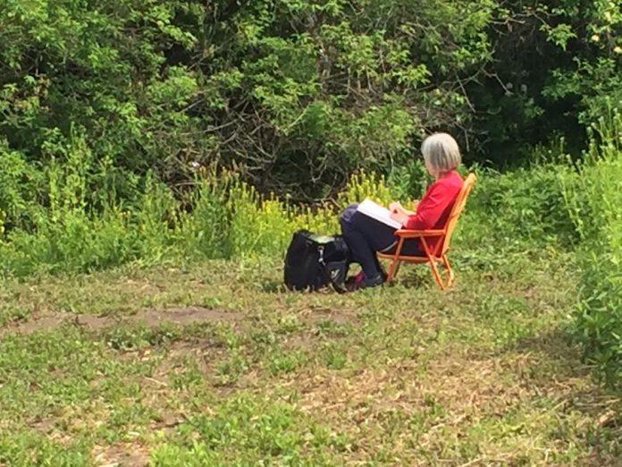 "An idyllic scene of someone painting ""en plein air"" (photo: Valerie Kent)"