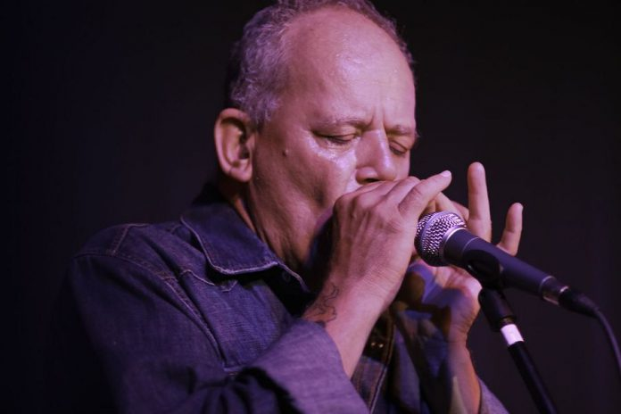 Willie P. Bennett performing at a benefit in his honour at Peterborough's Market Hall on July 27, 2007. The concert raised funds for the musician, who had to stop touring after suffering a heart attack on stage. (Photo: Rainer Soegtrop)