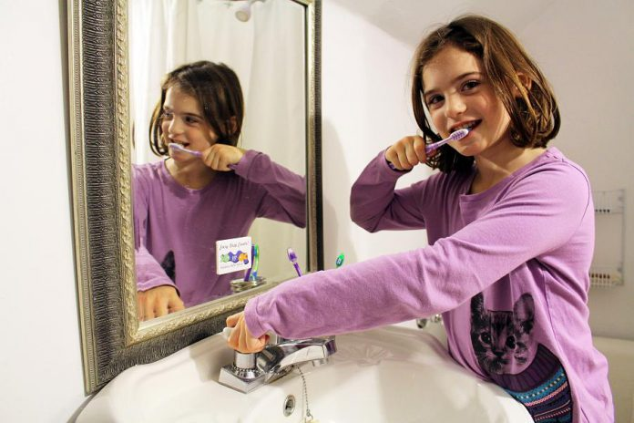 Heathy and smart water conservation habits can start early. The bathroom is a great place for kids to learn to turn the tap off when they brush, flush only the 3Ps, and take shorter showers. Each person in your household can save 15-20 litres of water per minute by turning off the tap while they brush.