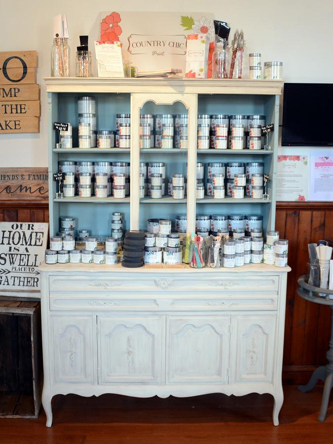 Jamie recommends Country Chic Paint, available on her online store. (Photo: Style Your Nest)