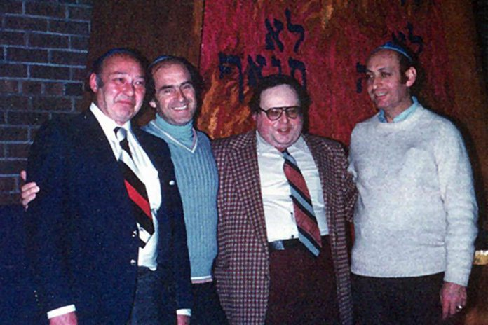 Isadore Black (left) with Murray Grafstein, Rabbi M. Spar, and Skip Pulver inside the Beth Israel Synagogue in Peterborough in 1977 (photo: Ontario Jewish Archives)
