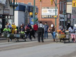 The Polar Paddle takes place on Saturday, February 4 on Queen Street in Lakefield as part of the 2017 PolarFest celebrations (photo: Selwyn Township)