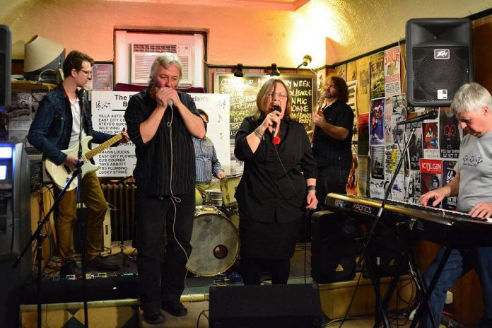 Al Black, Jane Archer, Brent Bailey, Andy Pryde, and Brandon Humphrey performing at the Peterborough Musicians Benevolent Association, a regular fundraiser held at the Pig's Ear to help financially strapped local musicians (photo: Phillip Connor)