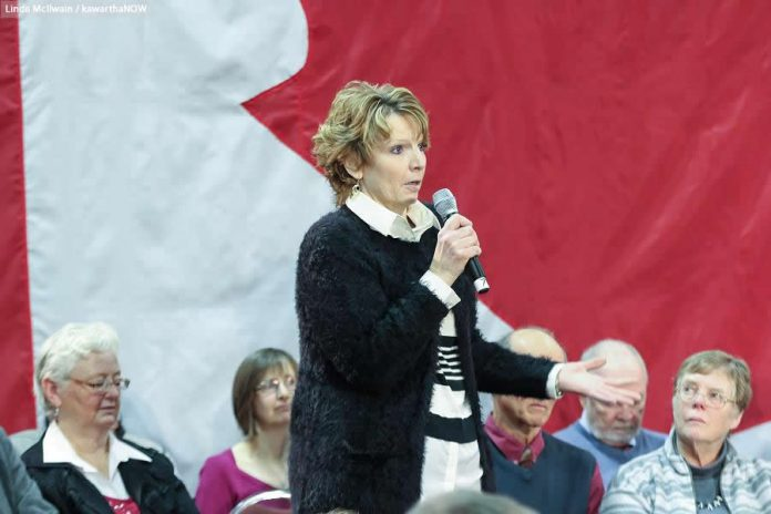 Kathy Katula confronted the Prime Minister about the high cost of hydro and the potential impact of a carbon tax  (photo: Linda McIlwain / kawarthaNOW)
