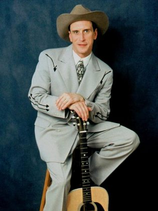Jason Petty sings the songs of Hank Williams at Showplace on April 4