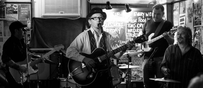 Pat Temple performing at the January 2015 Deluxe Blues Jam at The Pig's Ear (photo: SLAB Productions)