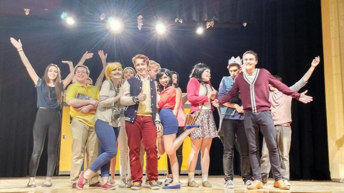 """The cast of """"Everybody Loves Archie"""" during a production number. (Photo: Sam Tweedle / kawarthaNOW)"""