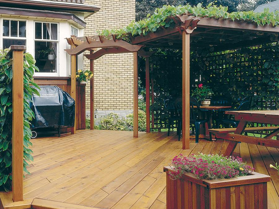 Merrett Home Hardware Building Centre can provide the plans and materials to build the deck of your dreams. (Photo: Home Hardware)