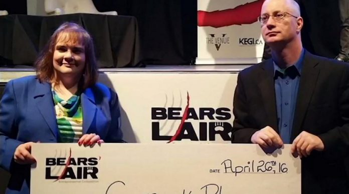 Sheryl Loucks and David Winter, co-founders of Canuck Play Inc., at the 2016 Bears' Lair Entrepreneurial Competition. (Photo: Innovation Cluster)