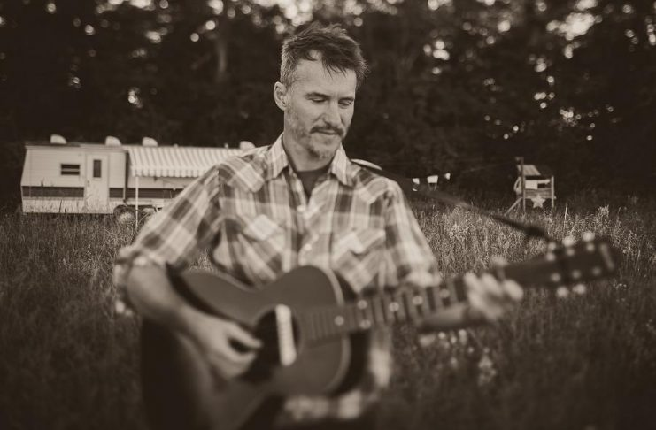 """Australian singer-songwriter and guitarist David Ross Macdonald, who Acoustic Guitar Magazine compared to """"a collaboration between Nick Drake and a mid-1970s Bruce Cockburn"""", is performing with Toronto's Brian Macmillan at the Pastry Peddler in Millbrook on Sunday, July 30th. (Photo: David Ross Macdonald)"""