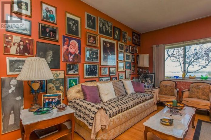 Inside the main house of Ronnie Hawkins' Hawkstone Manor on Stoney Lake, which is currently listed for sale with Sotheby's at an asking price of $4,250,000. (Photo: Realtor.ca)