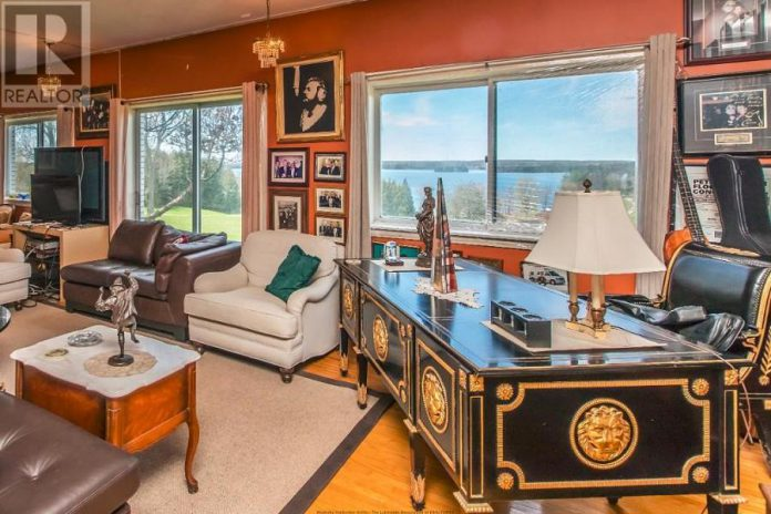 This presidential desk seems fitting for Ronnie Hawkins, who was recently bestowed the Order of Canada for his contributions to the Canadian music industry. (Photo: Realtor.ca)