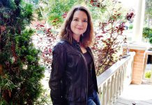 Paula Kehoe, owner and operator of Red Rock Communications, provides copywriting and brand journalism, media relations, social media strategy management and content, and event marketing.