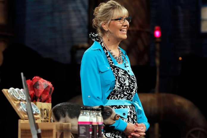 Leslie Bradford-Scott, pictured here on CBC Television's Dragons' Den, is the co-founder and CEO of Walton Wood Farm, a lifestyle gift company based on a farm in Bailieboro, Ontario. Leslie is the keynote speaker at the October 4th meeting of the Women's Business Network of Peterborough. (Photo: CBC)
