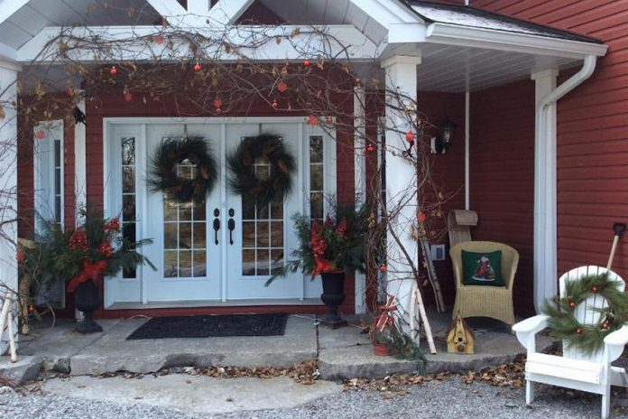 The 7th Annual Holiday Home Tour on Sunday, November 26th features five beautiful homes decorated for the Christmas season.