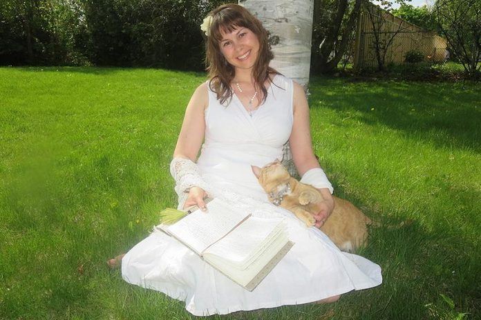 Angela Slater of Intuitive Art Medicine.