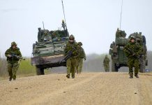 "Members of the Canadian Forces during the 2015 ""Maple Resolve"" military training exercise in Alberta. You may spot military vehicles and soldiers wearing camouflage in the Kawarthas from November 24 to 26 for the ""Worthy Charge"" training exercise. (Photo: Sgt Dan Shouinard, Maple Resolve 15, LF2015-0025-033)"