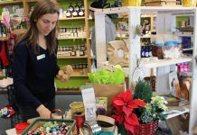 For quick and easy solutions to reducing holiday wrapping waste, visit the GreenUP Store. Many of GreenUP's green wrapping options include fabric and craft paper bags, gift envelopes and bows made from magazine and book pages, and many zero-waste wrapping options such as totes, pouches, and bags also make great gifts by themselves. (Photo: GreenUP)