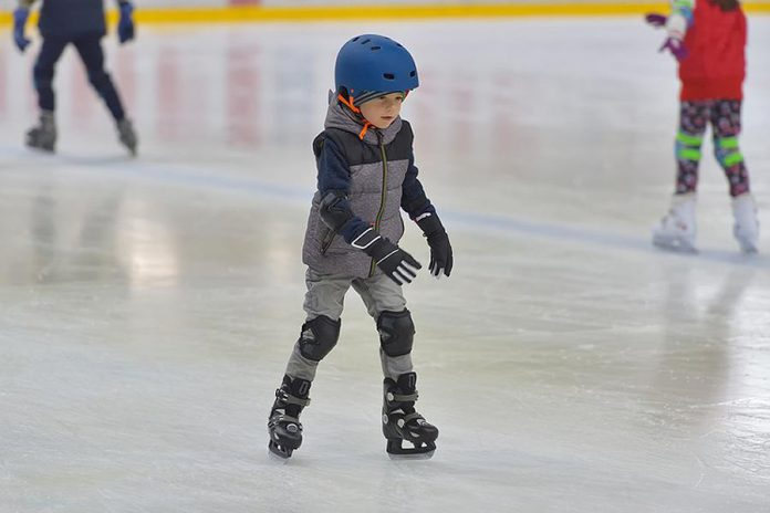 Thanks to generous local sponsors, the Township of Selwyn is offering free public skating in Lakefield and Ennismore over the holidays.