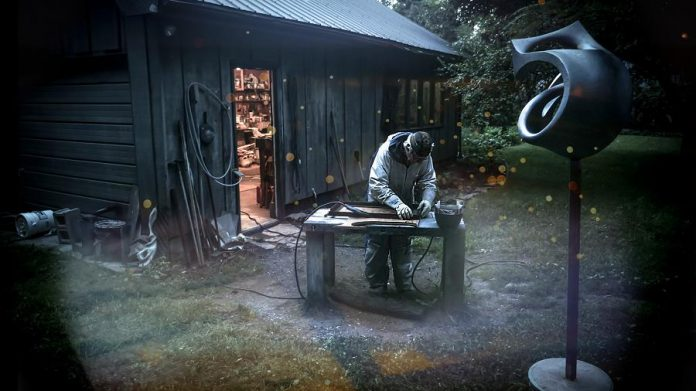 Sculptor Don Frost at work welding for one of his pieces. (Photo: Michael Morritt)