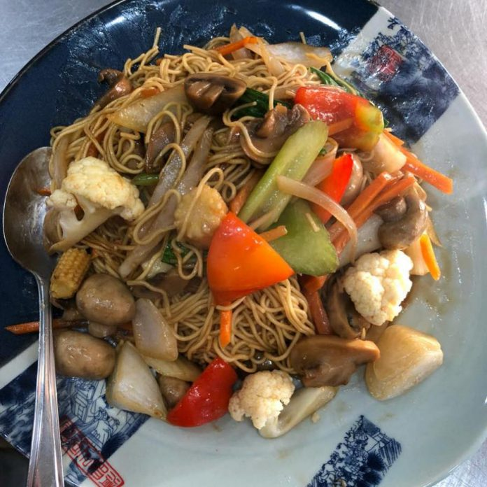 Lo Mein is a popular menu item at Dragon Yan, a new restaurant opened by Ron Kam and Yun (Cherry) Lian of Wee Wok Express. (Photo: Dragon Yan)