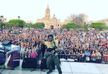 Cuban-Canadian singer-songwriter Alex Cuba performing in Mexico in April 2018. The two-time Juno-winning and three-time Grammy-nominated musician performs at Peterborough's Market Hall on April 24, 2018. (Photo: Alex Cuba / Instagram)