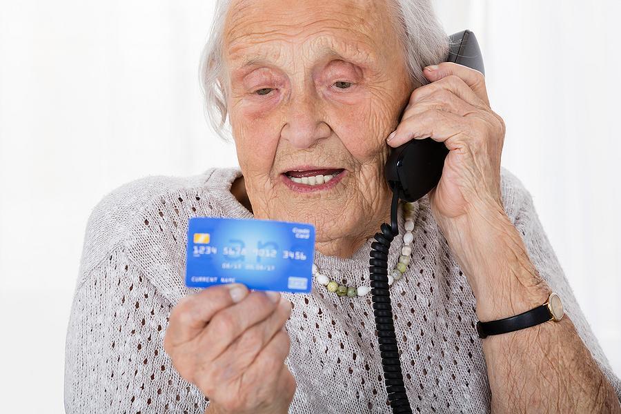 https://kawarthanow.com/wp-content/uploads/2018/04/elderly-women-with-credit-card.jpg