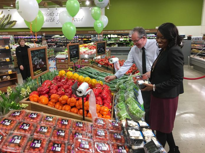 MPP Mitzie Hunter, Minister of Advanced Education and Skills Development and Peterborough MPP Jeff Leal, Minister Responsible for Small Business, check out some of the produce at Morello's Independent Grocer. (Photo: Office of Jeff Leal)