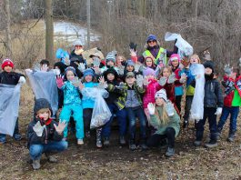 Around 100 students and staff from King George Public School in Peterborough organized a clean up of Armour Hill and Rube Brady Park in East City on April 5th. Many Earth Day cleanups are planned throughout the City of Peterborough, including a city wide annual cleanup, The Super Spring Cleanup hosted by Rotary Club of Peterborough on Saturday, April 21st at Confederation Park across from City Hall. (Photo courtesy of GreenUP)