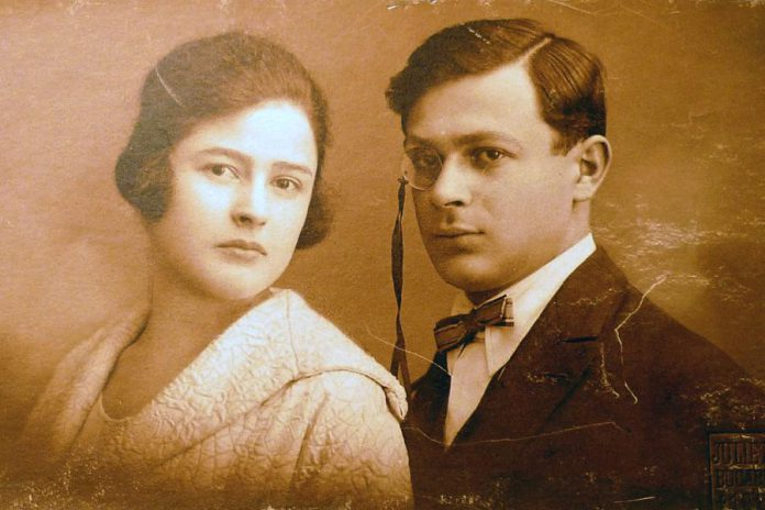 """Poet, writer, and painter Samy Rosenstock (right) with his sister Lucia Rosenstock in 1902. In 1915, he adopted the pseudonym of Tristan Tzara (meaning """"sad in my country"""") and left for Zurich in Switzerland to study humanities and philosophy. There he co-founded the Cabaret Voltaire, becoming the leader of the Dada movement. (Photo: public domain)"""