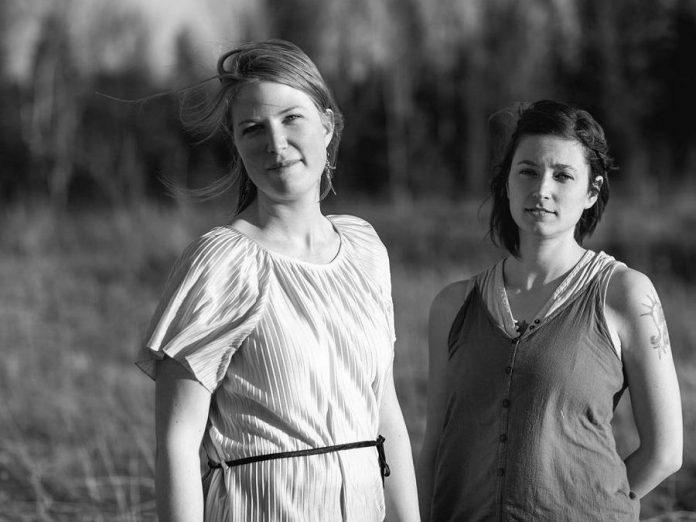 Alisha Embury and Ashton Swinnerton are the folk duo Softie. (Photo: Mary Payne)
