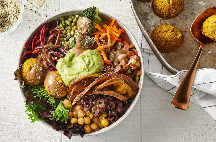 Montreal-based Copper Branch has opened a franchise location in Peterborough, offering quick plant-based meals including rice bowls, burgers, sandwiches, smoothies, and all-day breakfasts. (Photo: Copper Branch)
