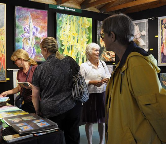 Work from more than 80 Canadian visual artists, sculptors, jewelers, and photographers will be on display at the Buckhorn Fine Art Festival, which runs on Saturday, August 18 and Sunday, August 19, with opening night on Friday, August 17, 2018. Opening night ticket holders get all-weekend access to the festival. (Photo courtesy of Buckhorn Fine Art Festival)