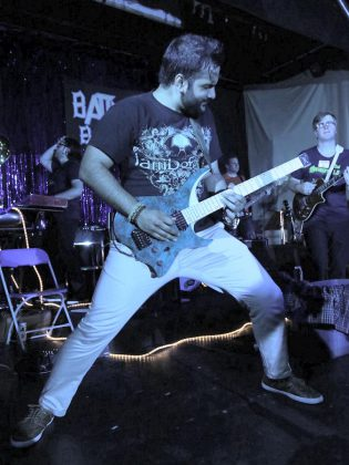 A Players' show is equal parts comedy and concert, with the band playing a mix of accessible alternative and classic rock.  (Photo: Stante Media)