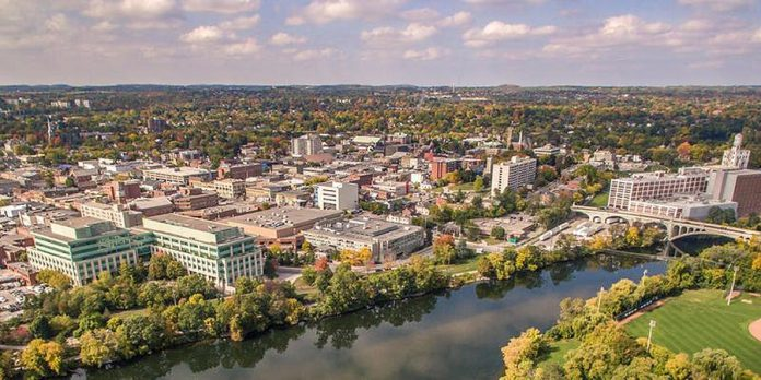 The TD Economic Outlook Luncheon is your chance to explore trends, opportunities, and challenges both within our local communities in Peterborough & the Kawarthas and across the globe. (Photo: Peterborough & the Kawarthas Economic Development)