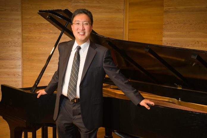 "Award-winning Canadian pianist Michael Kim will perform Rachmaninov's Piano Concerto no. 2 with the Peterborough Symphony Orchestra at ""Romantik"", the premiere concert of the 2018-19 season at Showplace Performance Centre in Peterborough on November 3, 2018. (Photo: Ken Frazier)"