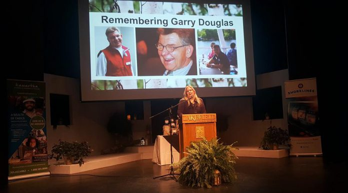 Kawartha Chamber of Commerce & Tourism 2018-19 board president Tonya Kraan takes a moment to honour the memory of late board member Garry Douglas. (Photo: Jeannine Taylor / kawarthaNOW.com)