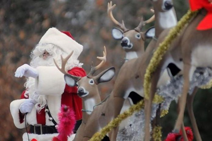 Santa comes to town on Sunday, November 18th when the Lakefield Lions Club presents the Lakefield Santa Claus Parade from 1 to 3 p.m.