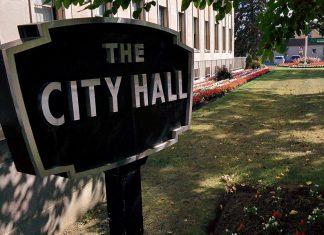 Peterborough City Hall (Photo: Bruce Head / kawarthaNOW.com)