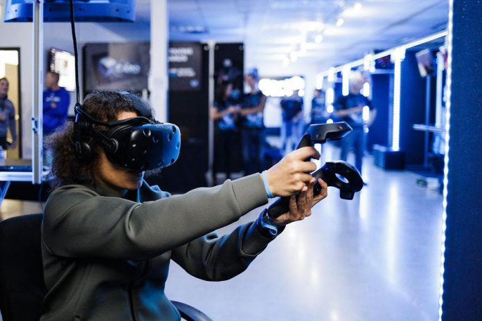 Laurie and Kevin Stapley of Lindsay have opened a franchise of Ctrl V virtual reality arcade at Lindsay Square Mall.  Ctrl V was North America's first virtual reality arcade and is currently the largest virtual reality arcade chain in the world. (Photo: Ctrl V)