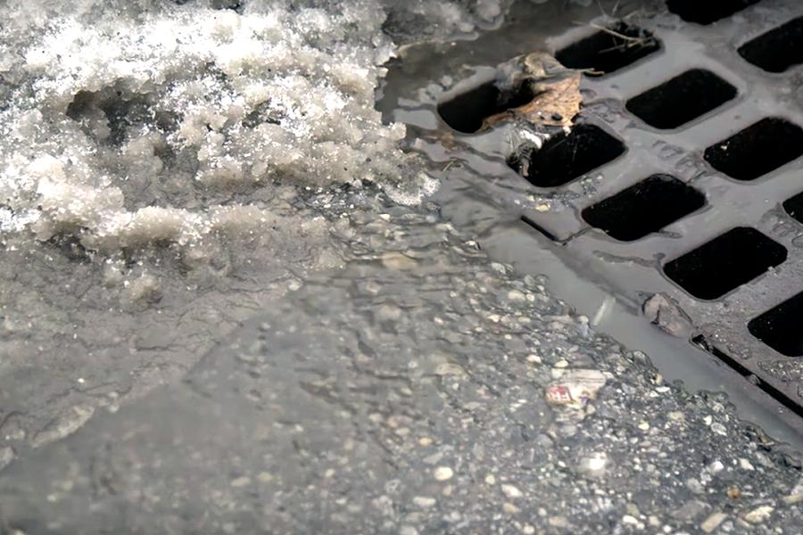 Salt accumulates on roads and in snow banks and is then washed into storm drains during thaws. Responsible spreading of salt by homeowners can reduce the amount of salt washed into storm drains and into our waterways.
